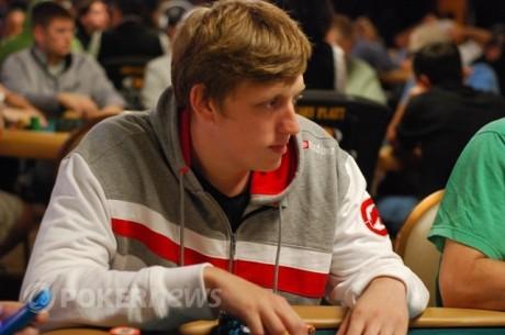2011 WSOP: Andrejs Masļeņčenko un Eduards Rakuss iekļūst trešajā Main Event dienā