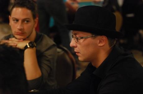2011 WSOP: Dmitrijs pievienojas Andrejam ar Eduardu WSOP ME 3. dienā
