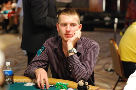 WSOP 2011: День 4 Main Event очима PokerNews + інтерв'ю.