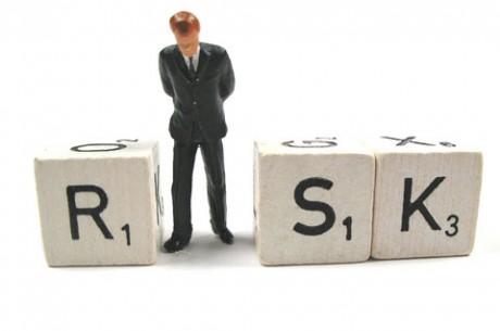 Покер стратегия: Увеличете риска, за да намалите...