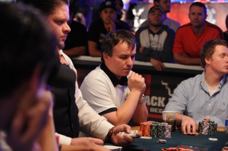 2011 WSOP Main Event: Prebujuje sa Martin Staszko do November Nine?