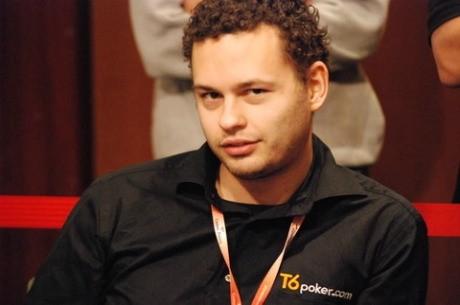 Andreas Torbergsen se enfrenta a Viktor Blom