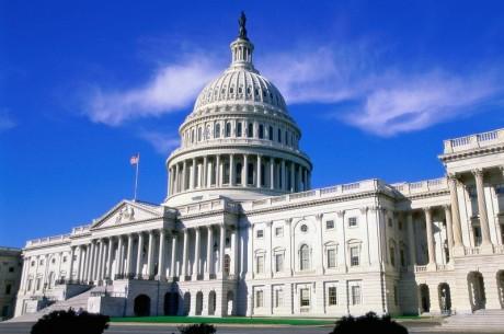 Конгресът на САЩ по-близо до легализиране на онлайн...