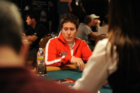 World Poker Tour Borgata Poker Open 2011  Dia 1a: Korotki à frente