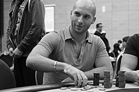 2011 World Poker Tour Malta Dan 1a: Sartoris na Vrhu