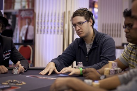 2011 World Series of Poker Europe Main Event Dan 3: Max Silver čip lider