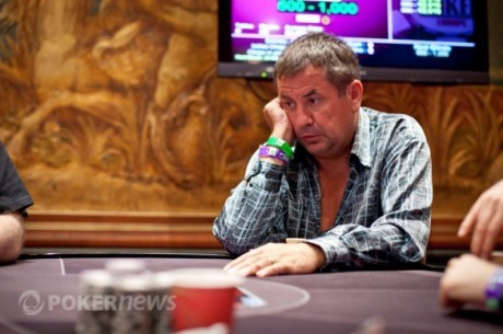 World Series of Poker Europe Main Event 2011 Day 3: Довженко йде далі
