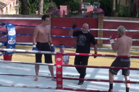 ВИДЕО: RaSZi vs ElkY в кикбокс мач