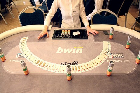 WPT Prague: Adeniya Leads Field With 62 Left!