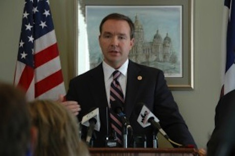 Iowa Senator to Draft Bill for Intrastate Online Poker
