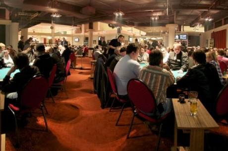 2 magyar a bécsi Mega Poker Series döntő asztalán