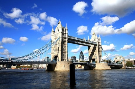 Англия ще пробва реформа на законите за онлайн игри
