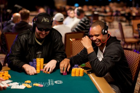 2012 World Series of Poker Dag 12: Ivey og Hellmuth jakter videre, Hasting med første cash og...