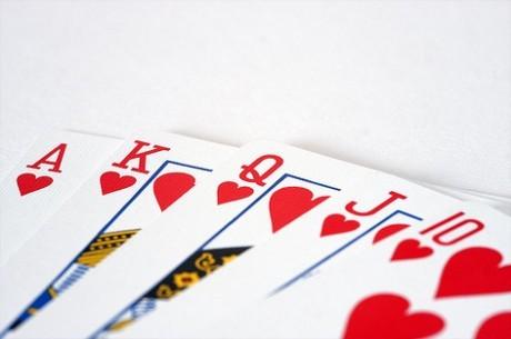 Результати недільних турнірів PokerStars