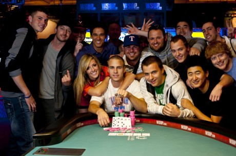WSOP 2012: Staszko opět v penězích, rozdány byly další tři náramky