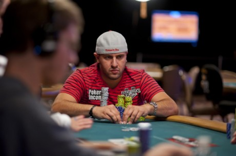 2012 World Series of Poker Dag 20:Obrestad ute av #28, Michael Mizrachi leder #30