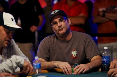 Mike Matusow arremete contra la industria del poker online