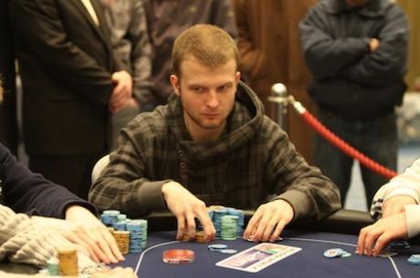 """Savaitės ranka: Aleksandro """"VyruAlus"""" blefas prieš 5-ių WSOP apyrankių savininką"""