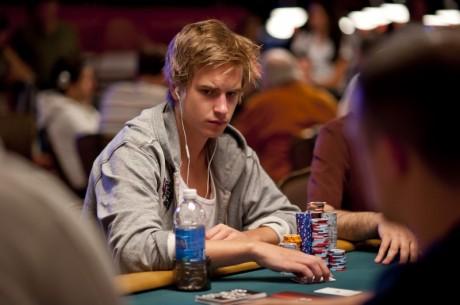 Виктор Блом води по чипове след края на Ден 3 в  $50,000...