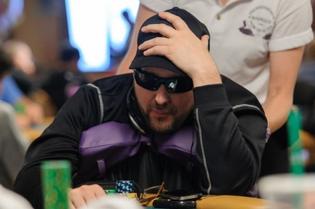 $1,000,000 Big One for One Drop, Tag 1: Rast Chipleader, Hellmuth als Chips-Zweiter