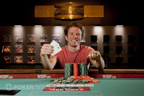 2012 World Series of Poker Day 39: Will Jaffe and Tomas Junek Capture Bracelets