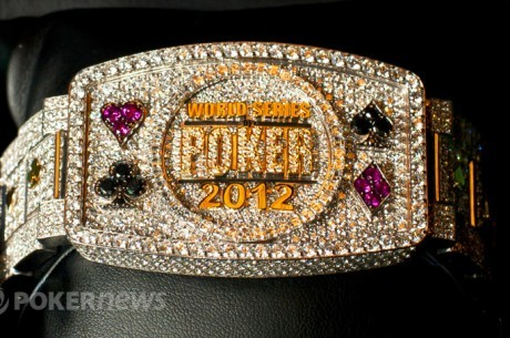 WSOP 2012 Day 1B: Хоанг лидирует; Селбст и Негреану идут...