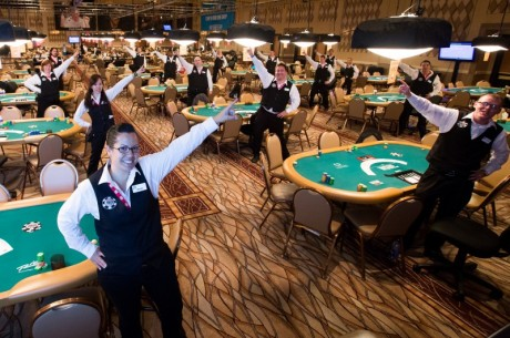 WSOP: To spillere flopper nut flush!