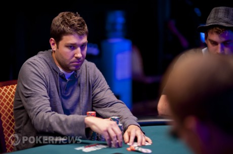 Jeremy Ausmus Entra na Mesa Final do Main Event WSOP 2012 Como a Short Stack