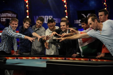 2012m. WSOP spalio devintuko dalyvių pristatymai (1 dalis)
