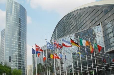 Komisja Europejska rozpoczyna pracę nad regulacją hazardu online