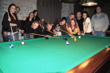 PokerNewsi klubi käis piljardit mängimas