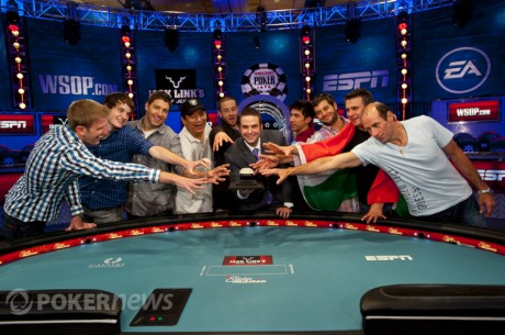 2012 World Series of Poker Main Event Final-Table Οδηγός Social Media