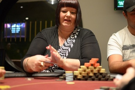 2012 PokerStars.net ANZPT Season 5 Auckland Day 1a: Angie Fitzgerald Leads
