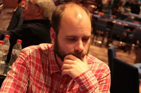 Simen Iversen, chip leader del Día 1B de la Gran Final del CEP