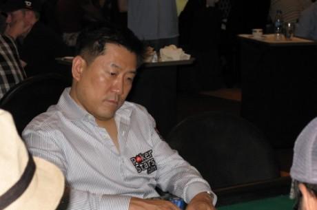 Mike Kim Toma liderato general para el Día 2