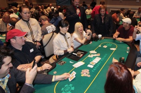 A Caesars Palace-ban rendezik az Opportunity Village Celebrity Poker Tournamentet