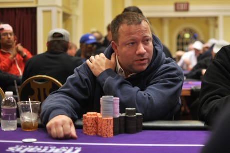 2012-13 WSOP Circuit Harrah's New Orleans Main Event: Mintz and Lowery Lead