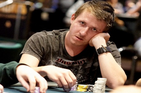 UK & Ireland Poker Rankings: Charlie Combes Climbs to Second Place