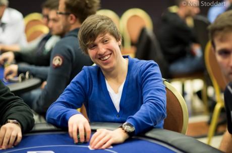 Kristijonas Andrulis WSOP'e žengia antras, liko mažiau nei 50 žaidėjų!