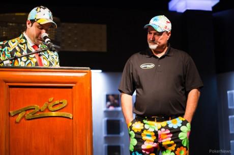 Tom Schneider imád Stand-Up Comedyt nyomni a pókerasztalnál