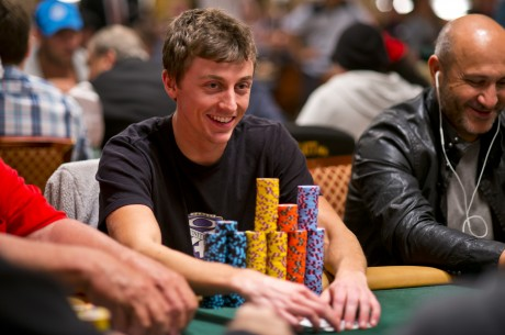 2013 WSOP Main Event Tag 2A/B: Nick Schwarmann als Chipleader