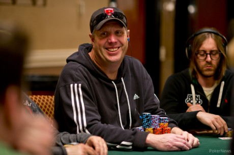Ο Mark Kroon chip leader της Day 2c στο 2013 WSOP Main Event, προχώρανε...