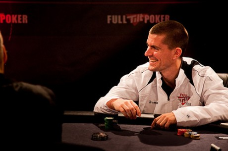 Gus Hansen ganhou $405,200 nas mesas de FLO8; Isildur1 Já Perdeu $1M em 3 Dias