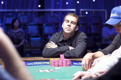 """Kyle """"KPR16"""" Ray Ganha $359,500 nas Mesas de FLO8"""