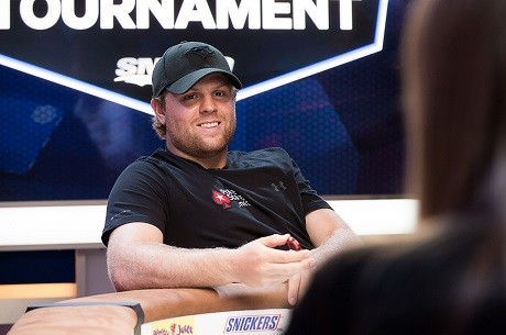 Phil Kessel 2nd to Vanessa Rousso in Charity Tournament