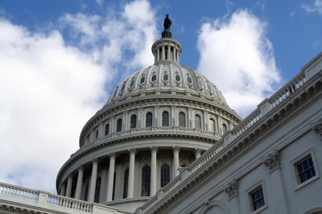 Graham, Chaffetz Introduce Bills to Ban Online Poker in U.S.