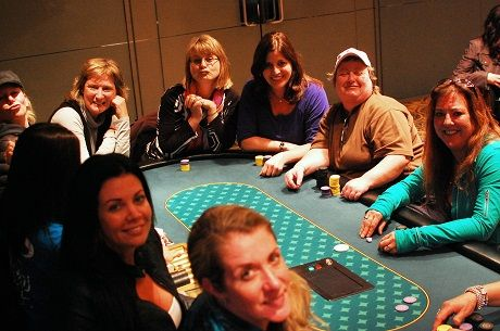 Vancouver Ladies Poker League Brings Women to the Table