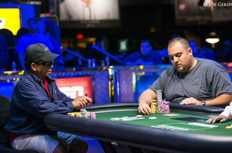 WSOP 2014: Roland Reparejo (1,79M) e Corey Emery (735,000) no Heads-Up do Evento #1