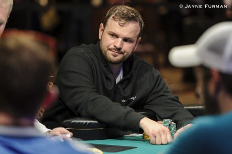 WSOP Main Event Canadian Contingent: Benger Continues to Build on Day 4