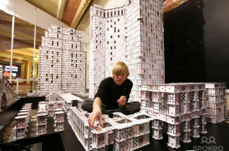 Bryan Berg - Najdôležitejší okamih počas stavania hradu z kariet je jeho zbúranie